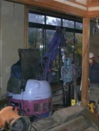 中越沖地震復興工事 室内フィンパイル打設
